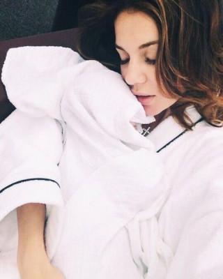 Анна Седокова опубликовала нежное фото с сыном Гектором