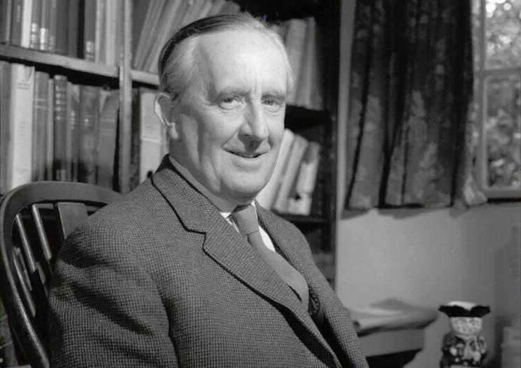 Повесть автора «Властелина колец» издана через 100 лет после написания