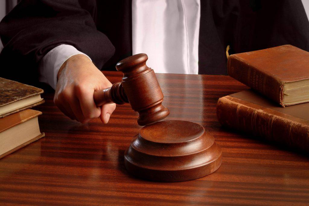 Жительницу Калачинска обвиняют вистязании племянника