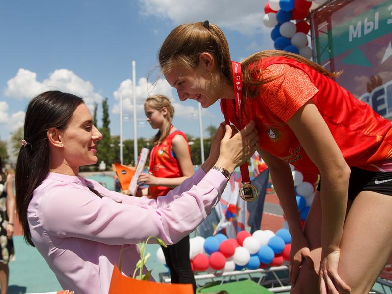 Елена Исинбаева показала трехлетнюю дочь— Вылитая копия