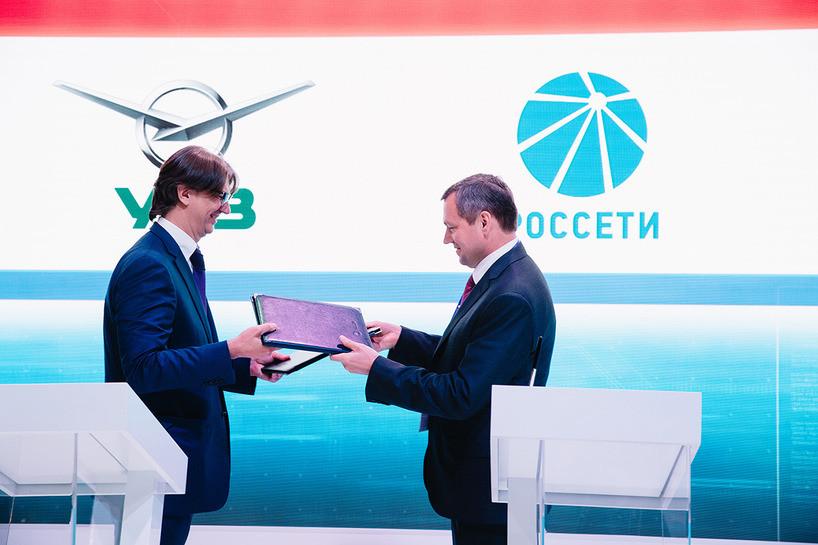 УАЗ договорился наПМЭФ опроизводстве электромобилей