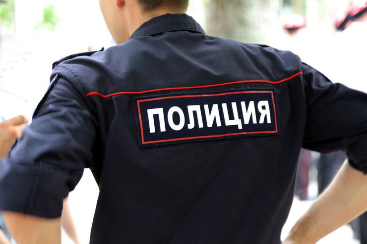 Милиция пытается вскрыть дверь журналистки Костюченко вееотсутствие