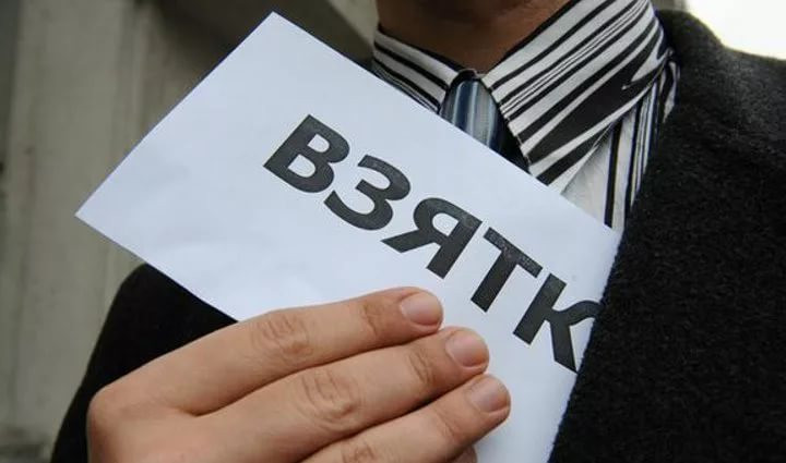 Работник волгоградского военкомата за60 тыс. руб. пообещал «отмазать» призывника отармии