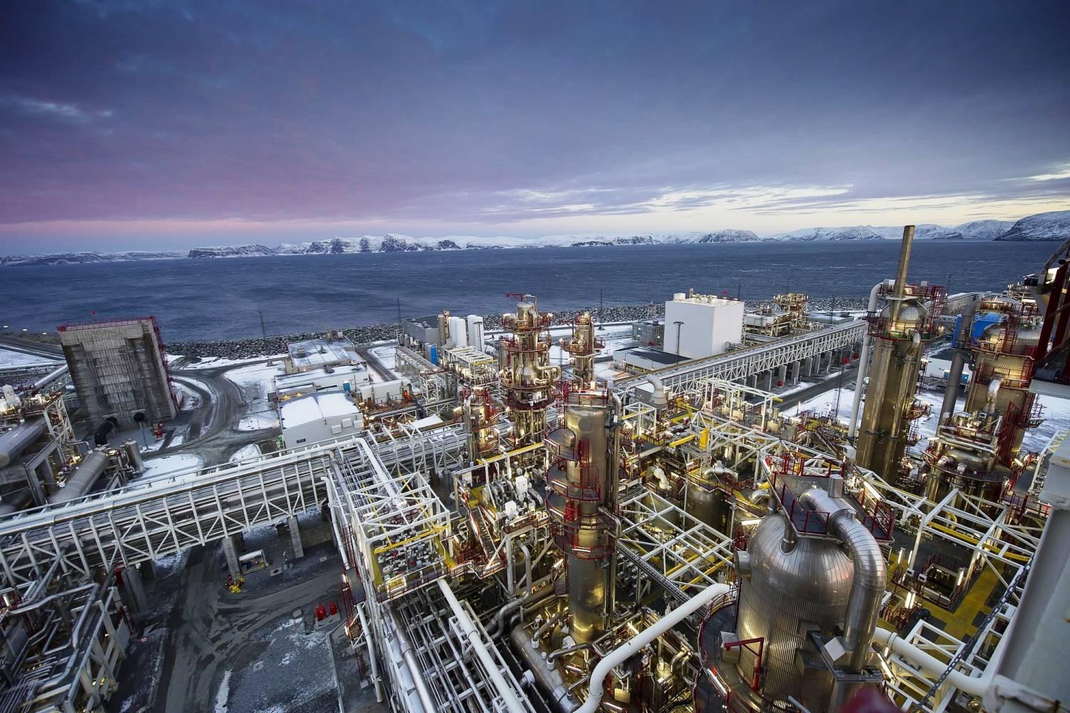 «Газпром» и дочь Shell договорились по«Балтийскому СПГ»
