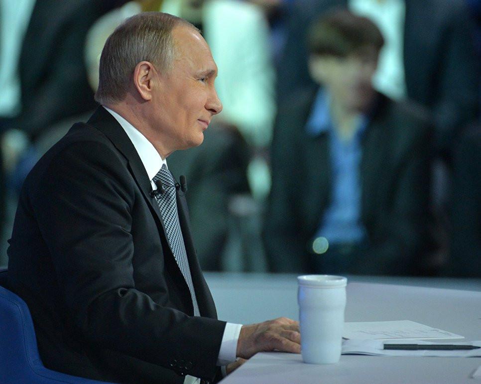 «ВКонтакте» запустила чат-бота для вопросов Владимиру Путину на«Прямой линии»