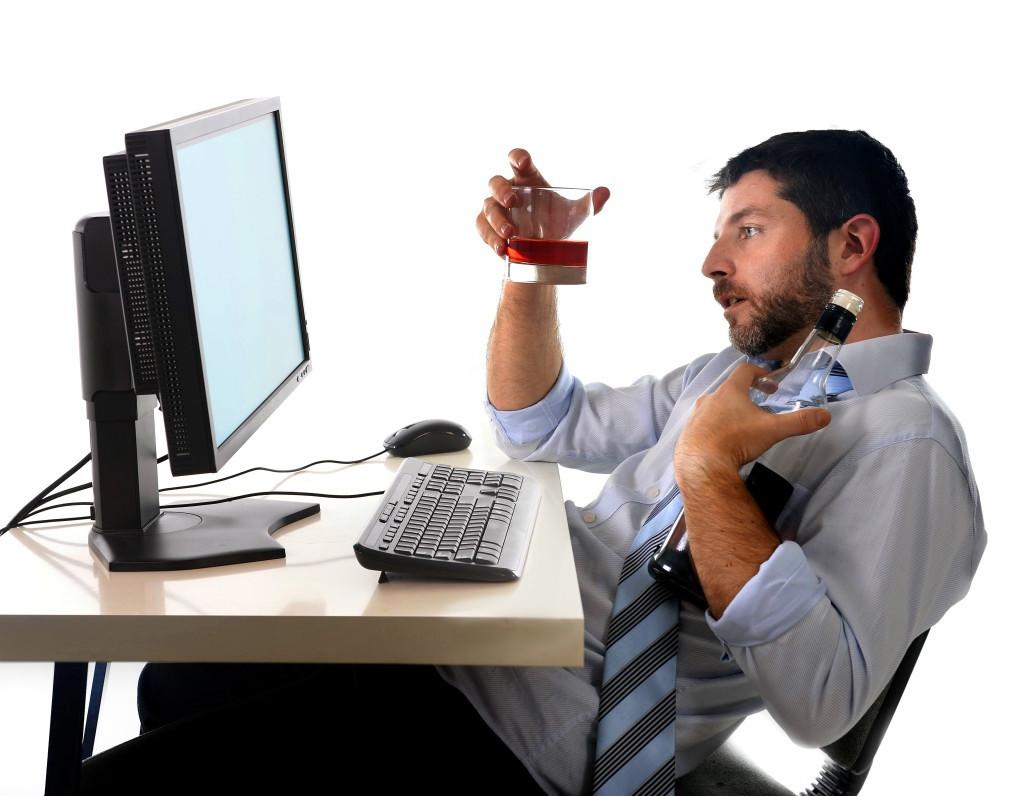 Учёные создали программу «поотлову» алкоголиков инаркоманов в социальных сетях