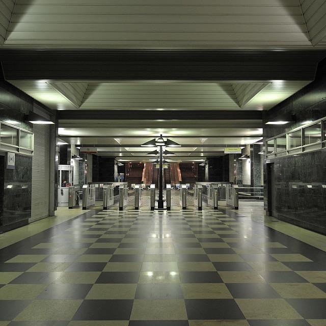 Мужчина упал нарельсы настанции метро «Воробьевы горы»