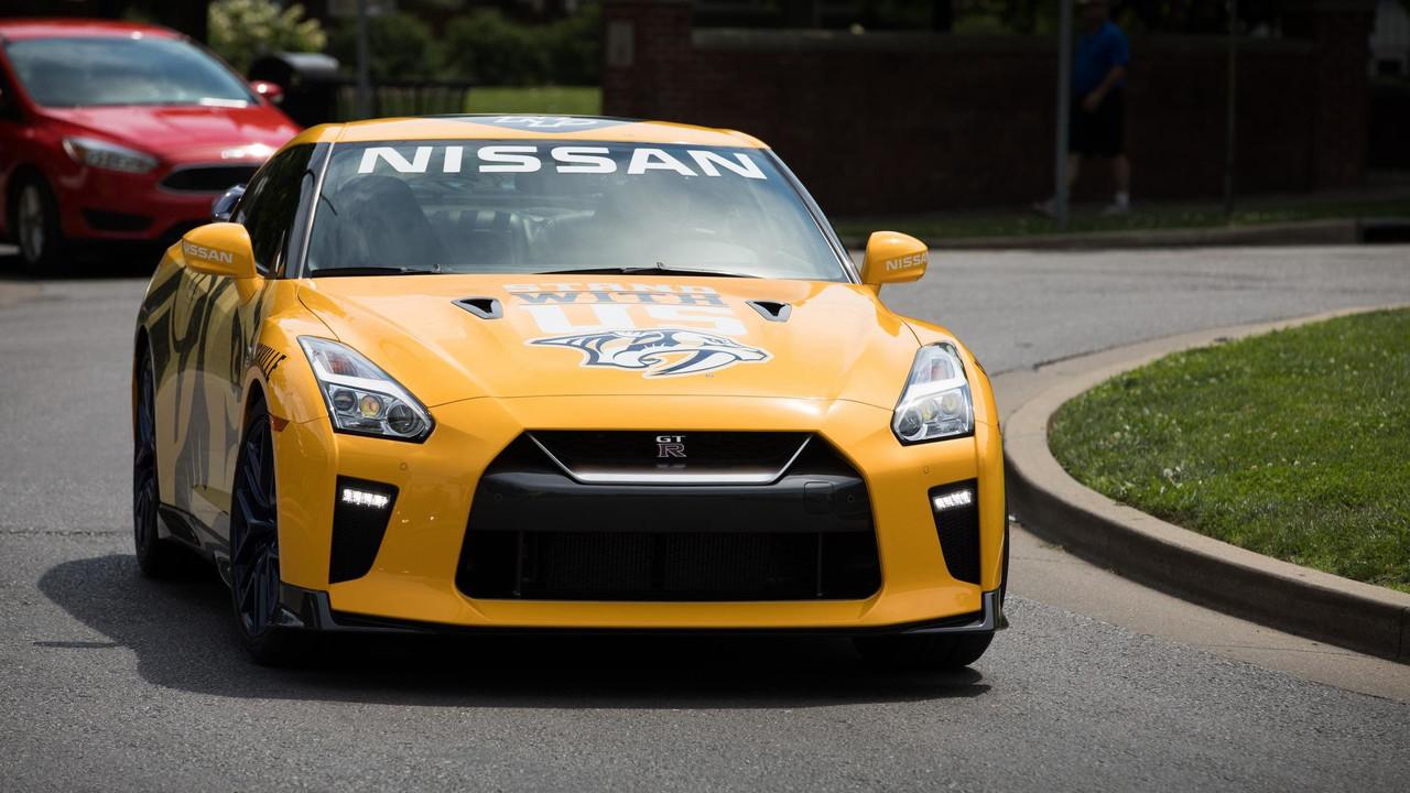 «Хоккейный» Ниссан GT-R продадут наблаготворительном аукционе