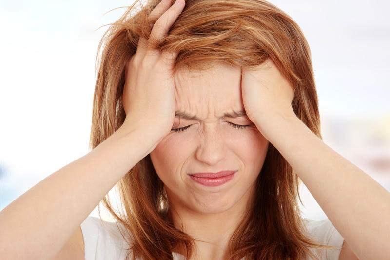 Ученые назвали причину головных болей поутрам