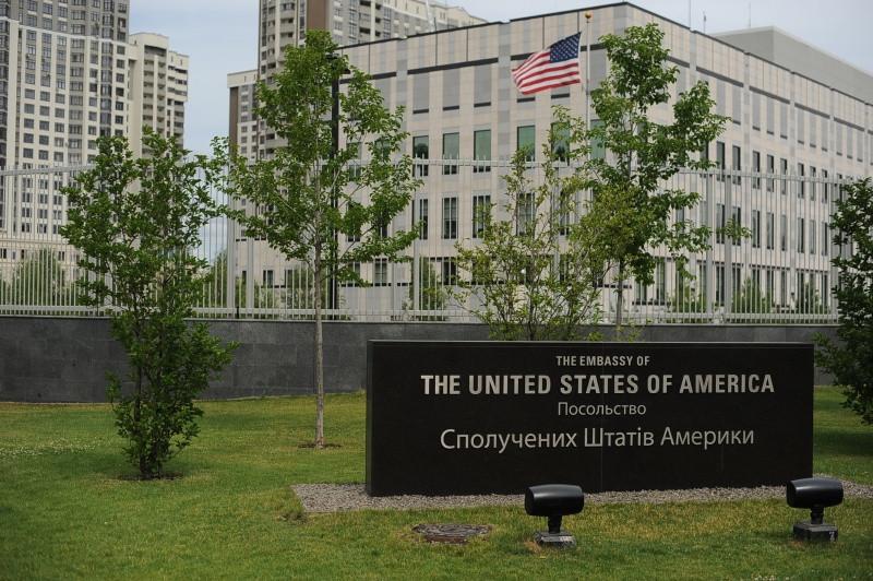 Руководитель Нацполиции: Взрыв уПосольства США вКиеве уже несчитают терактом