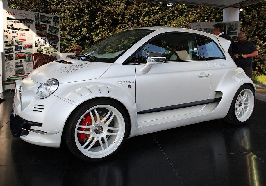 Fiat 500 превратили в 350-сильный заднеприводный суперкар