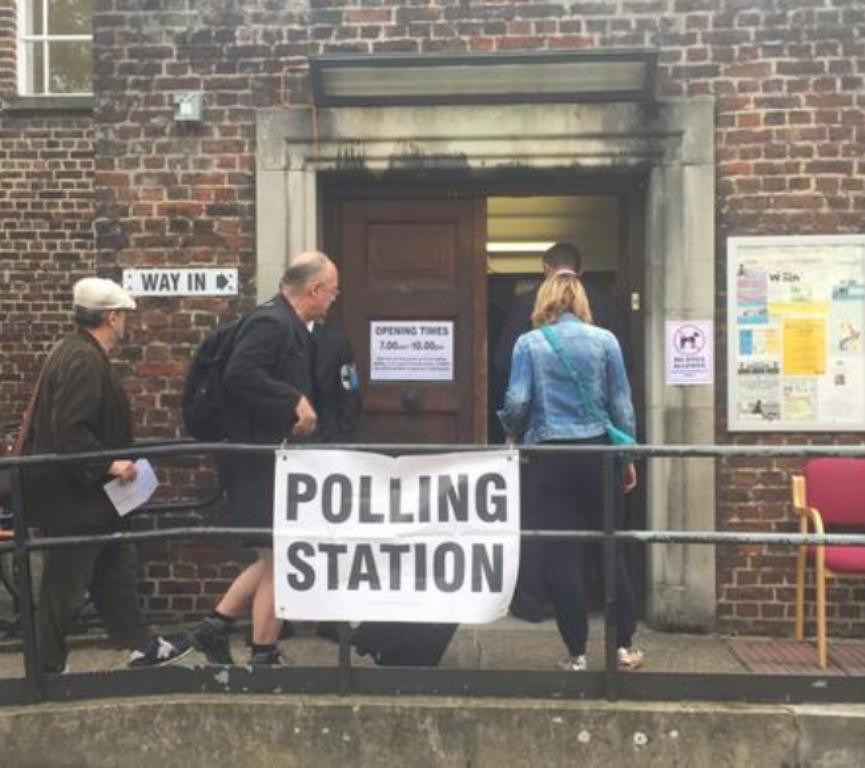 ВБритании начались парламентские выборы
