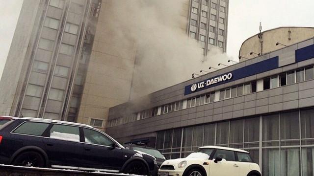Офисное строение загорелось вцентре столицы