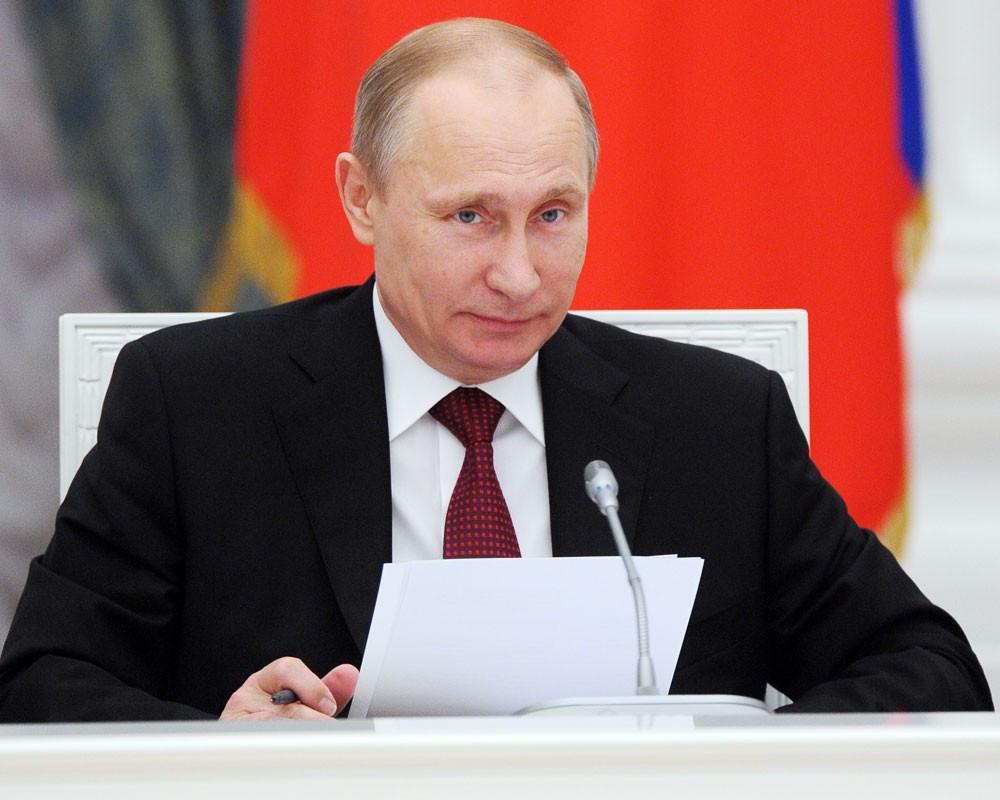 Путин: День Российской Федерации  - яркое событие для многих стран