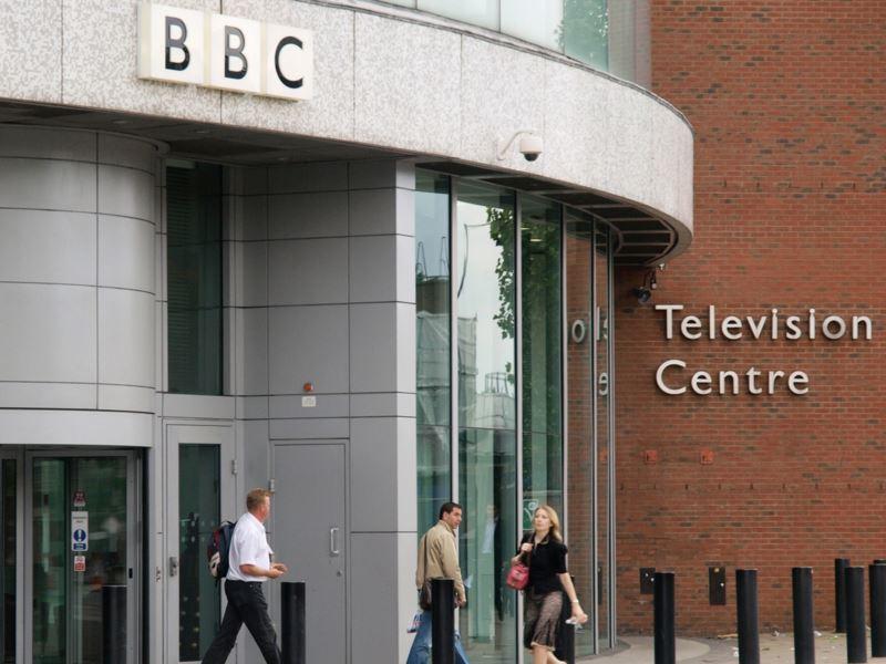 Кабинет BBC встолице Англии эвакуировали из-за пожара