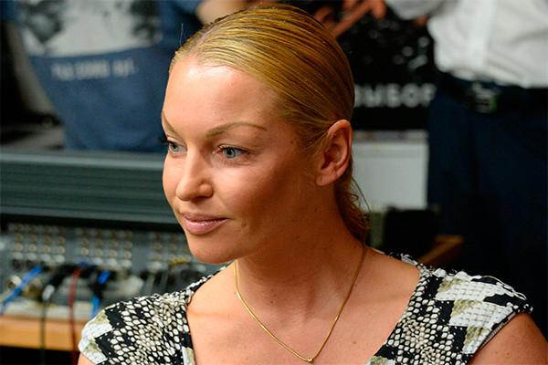 Анастасия Волочкова стала жертвой собственного водителя