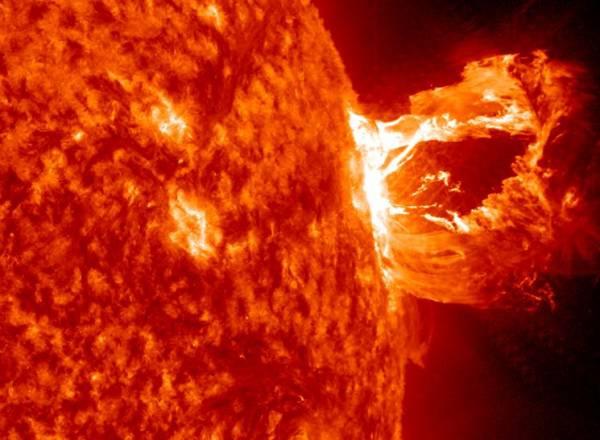 Вспышки наСолнце могут предвещать апокалипсис— Ученые