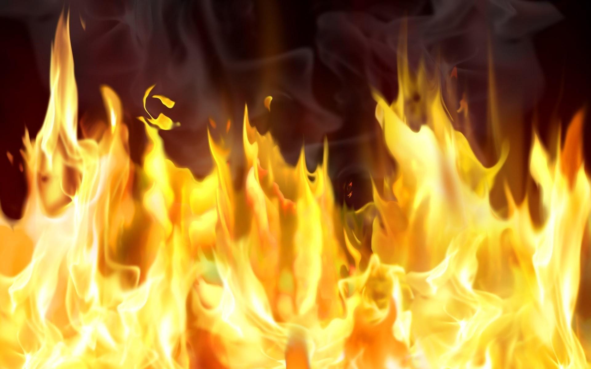 Из-за пожара после падения частей запущенной сБайконура ракеты умер человек