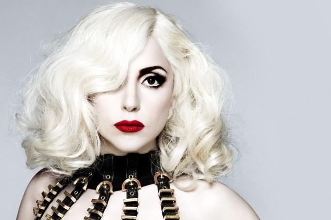 Леди Гага работает в Starbucks