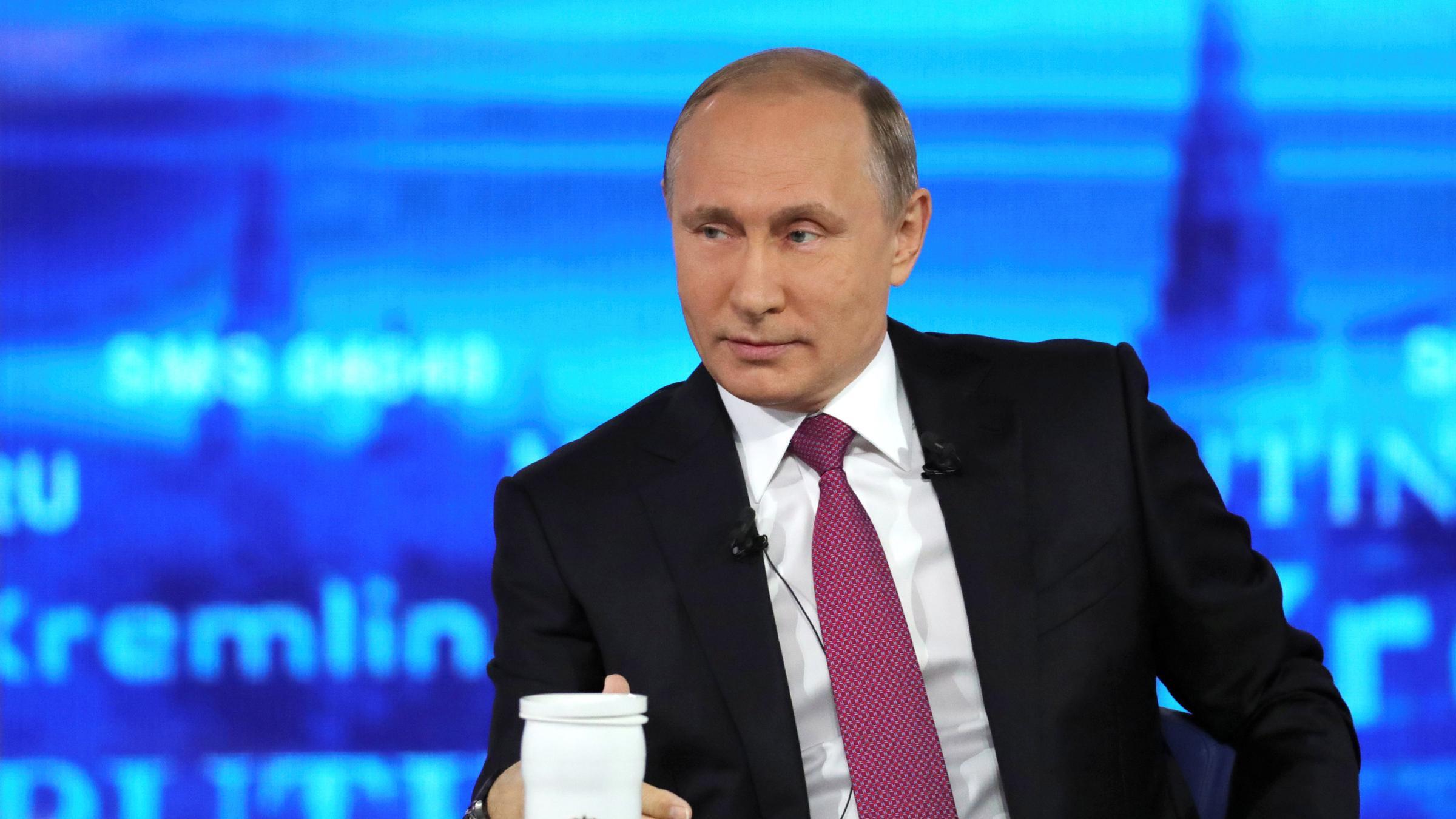 Путин: проблемы граждан России решаются нетолько лишь в«ручном режиме»
