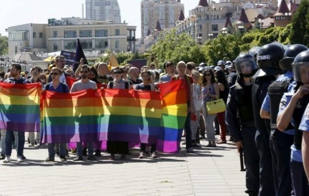 Радикалы избивали вКиеве ЛГБТ-активистов после гей-парада