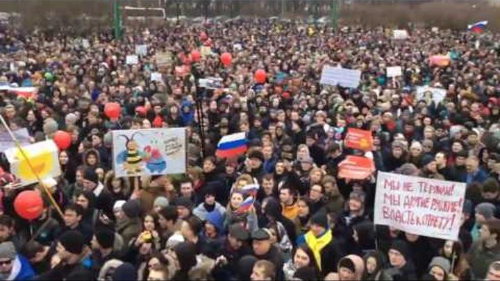 В Петербурге полиция пустила газ в камеры задержанным на акции протеста. «Мы стали все задыхаться»