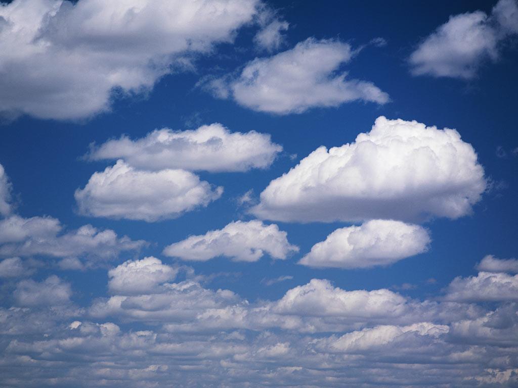 Вертикальное облако появилось внебе над Новосибирском