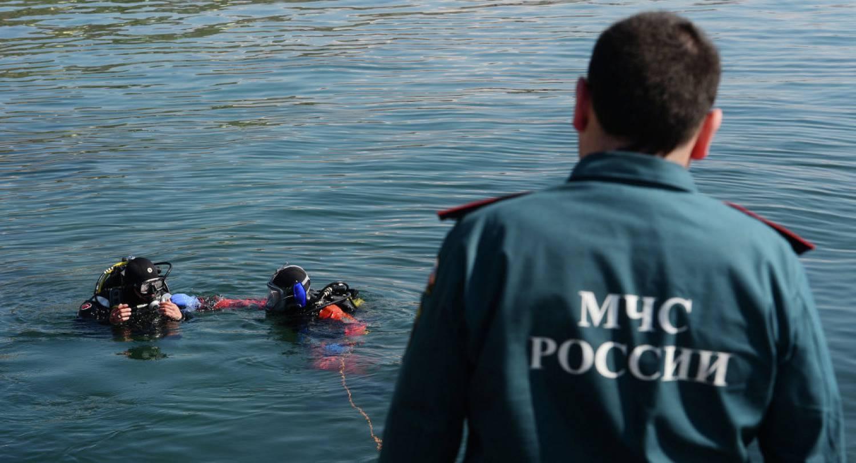 МЧС Карелии: Двое подростков спаслись из перевернувшейся лодки
