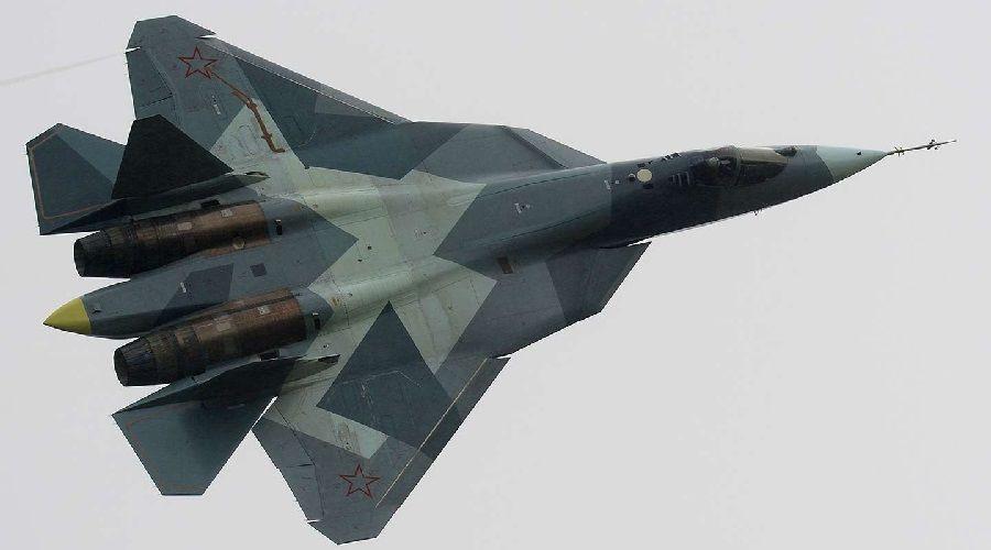 СМИ: Российский истребитель пролетел в 1,5 м от американского самолета на Балтике