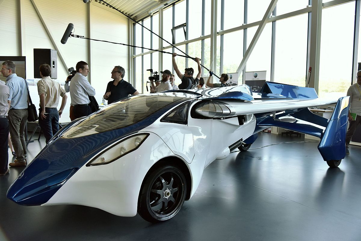 Компания изСловакии показала наLeBourget летающий автомобиль