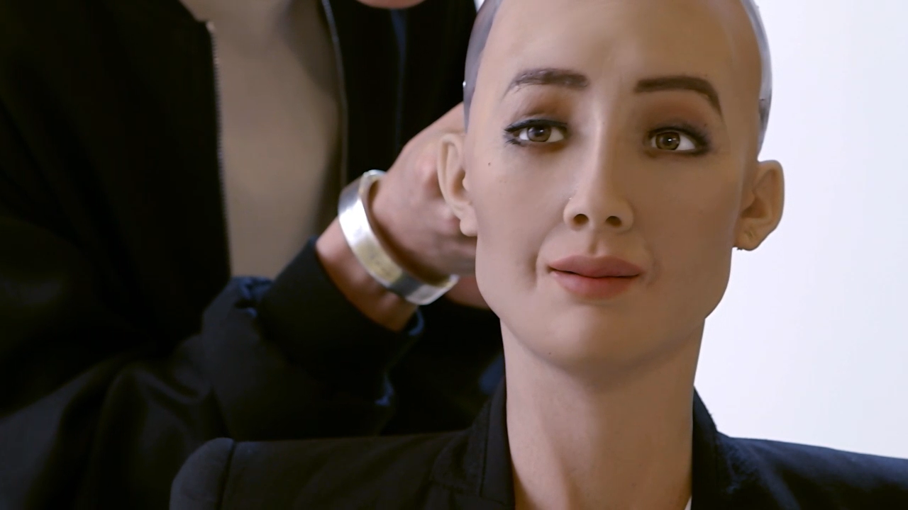 Пообещавшая убить население Земли робот назвала идеалы партнера