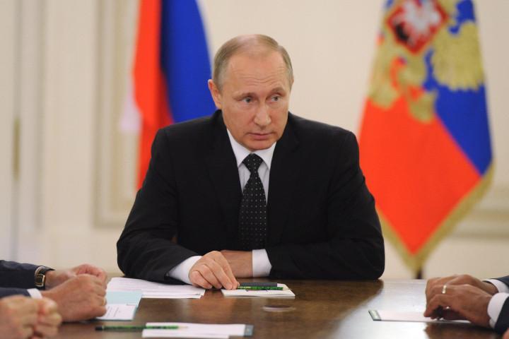 Путин разъяснил разницу между воспитанием иобразованием