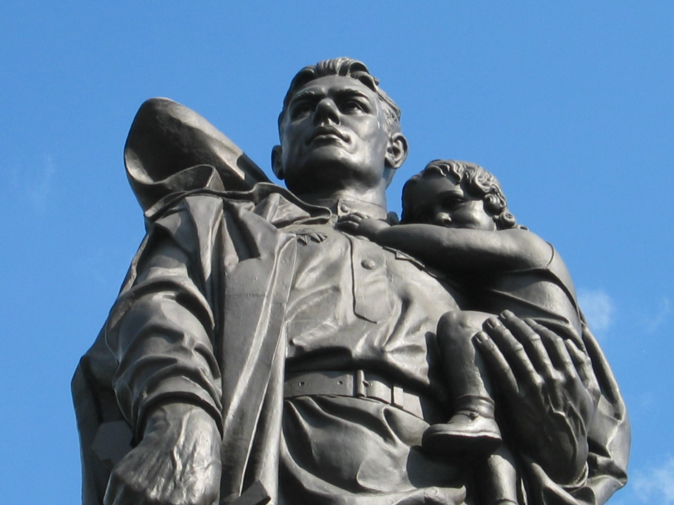 В государственной думе посоветовали перенести кладбища советских воинов изПольши в Российскую Федерацию