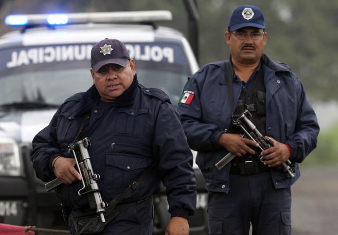 Мужчина перерезал горло бывшей жене в коммерческом центре вМексике