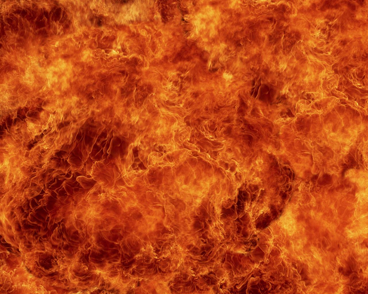 Число погибших после опрокидывания бензовоза вПакистане превысило 140 человек