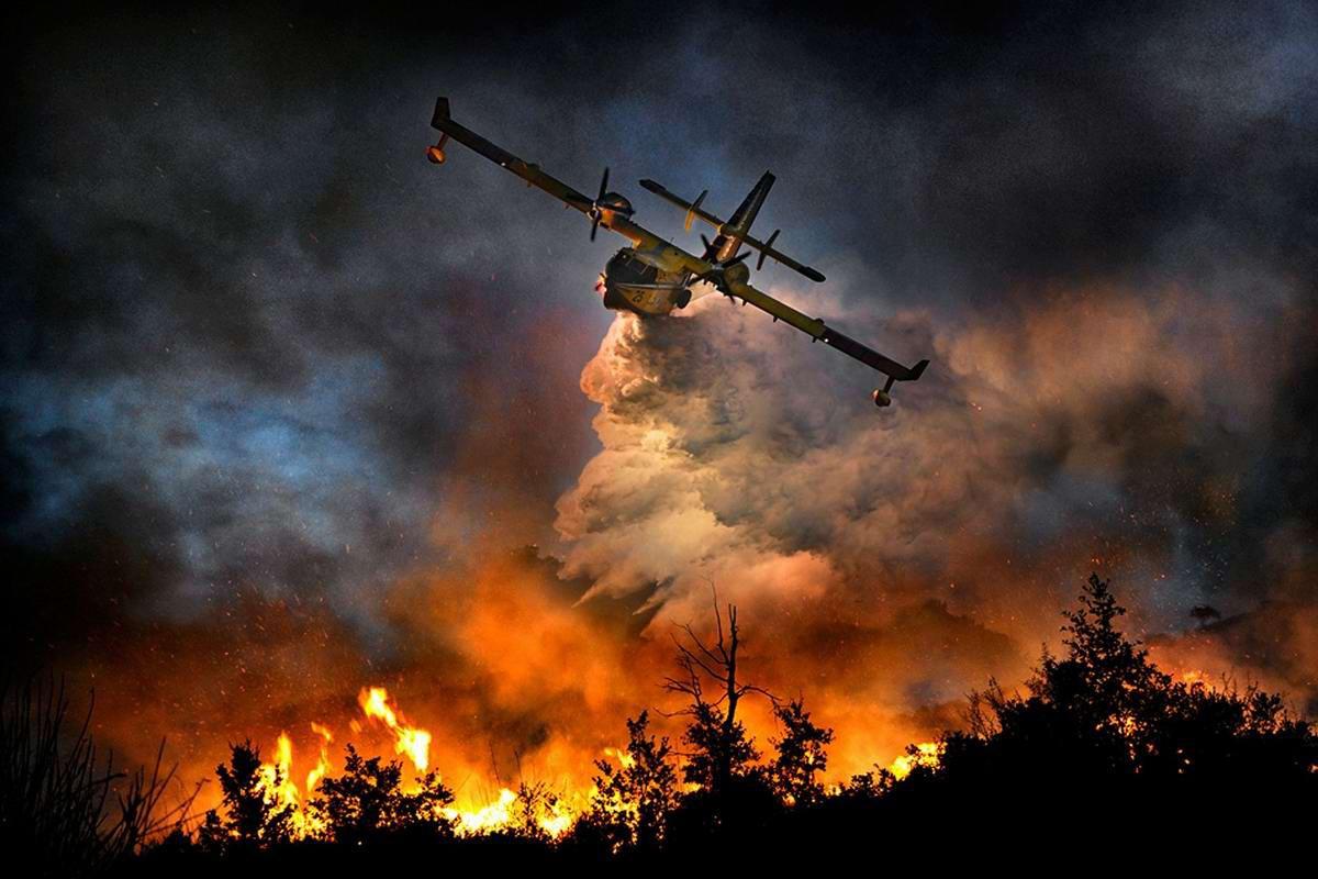 20 парашютистов чуть непогибли, сражаясь впожарами