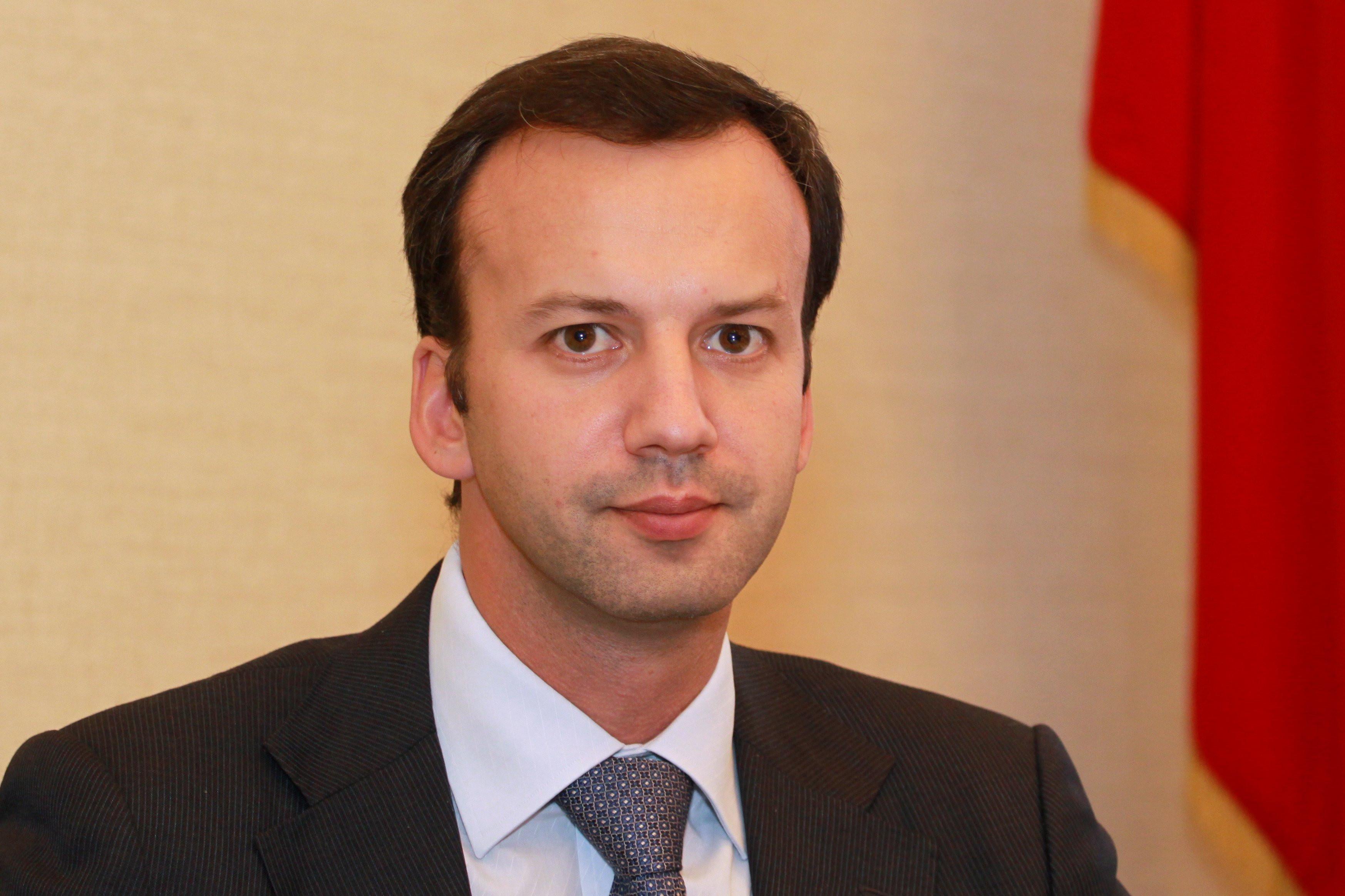 Вице-премьер Дворкович протестировал спортивный КамАЗ