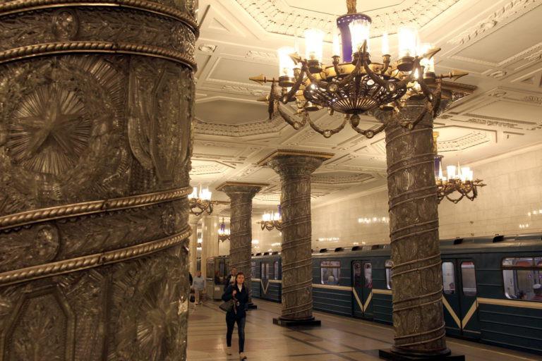 Станция метро «Автово» закрыта навход ивыход. Уже открыта