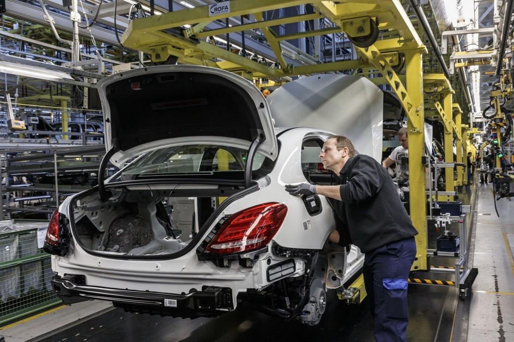 Mercedes разместил первые объявления онаборе служащих нановый завод вПодмосковье