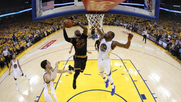 «Голден Стэйт» во второй раз победил «Кливленд Кавальерс» в финале НБА