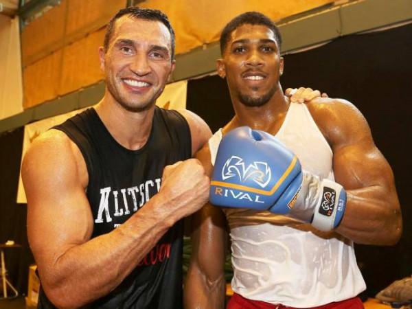 Владимир Кличко и Энтони Джошуа сразятся на ринге в Нигерии