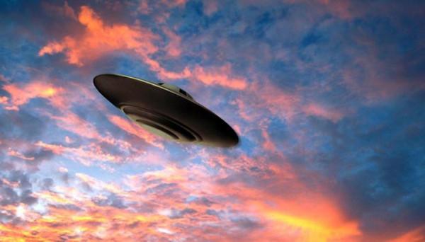Вокруг людей летают невидимые НЛО— Ученые