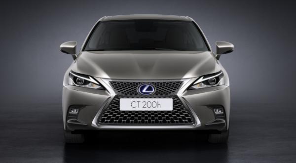 Lexus модернизировал хэтчбэк CT 200h