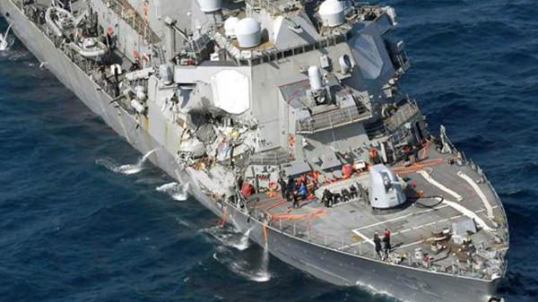 Тела моряков обнаружены в затопленной части эсминца ВМС США Fitzgerald в Японии