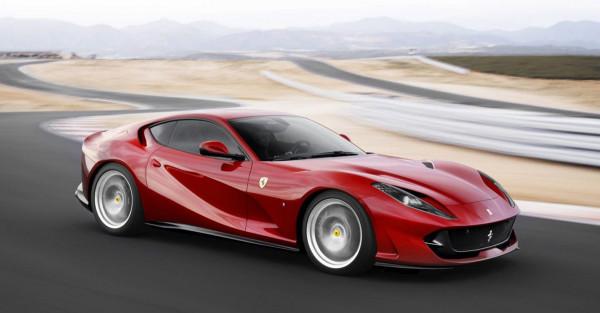 Новый Ferrari 812 Superfast получит под капот 789-сильный мотор
