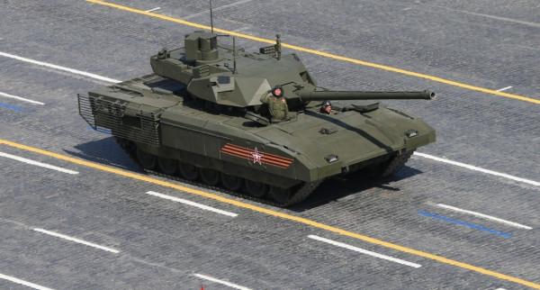 В Сеть выложили видео стрельб танка «Армата»