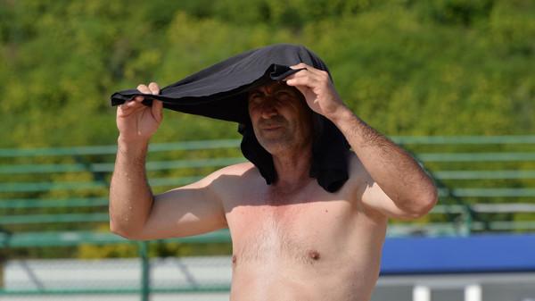 Из-за аномальной жары в Сибири лопаются термометры
