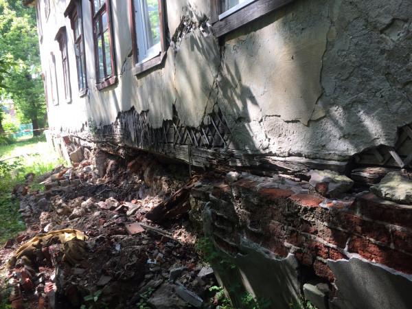 В Нижнем Новгороде снесут аварийный дом на улице Углова
