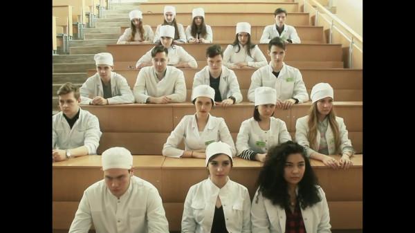 В Самаре врачи сняли пародию на «Тает лёд»
