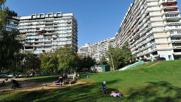 Власти Москвы закроют дворы домов от посторонних
